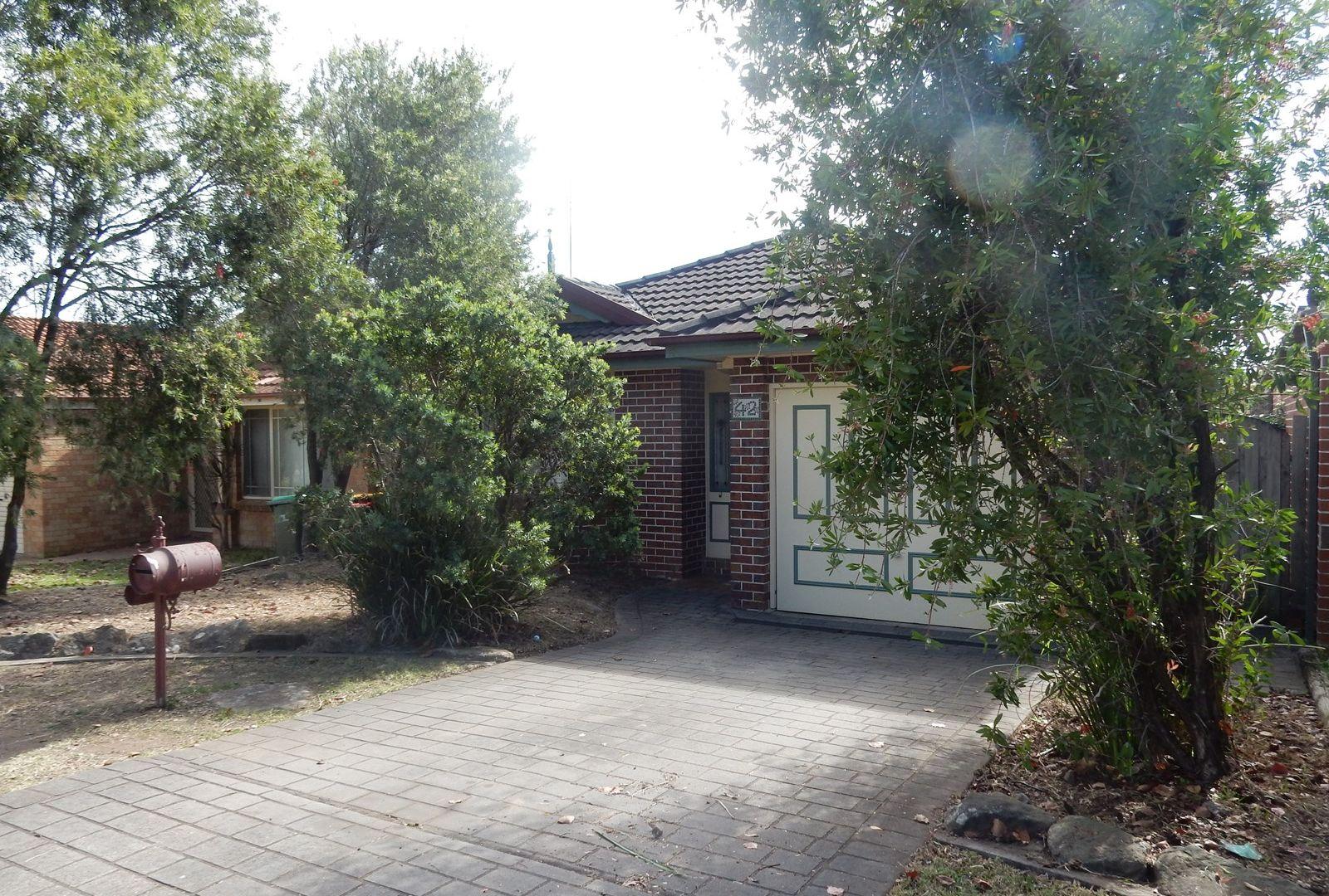 42 Lyndhurst Crt, Wattle Grove NSW 2173, Image 1