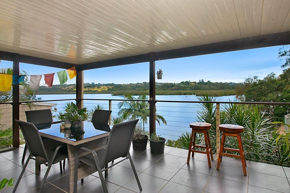 65 Broadwater Esplanade, Bilambil Heights NSW 2486