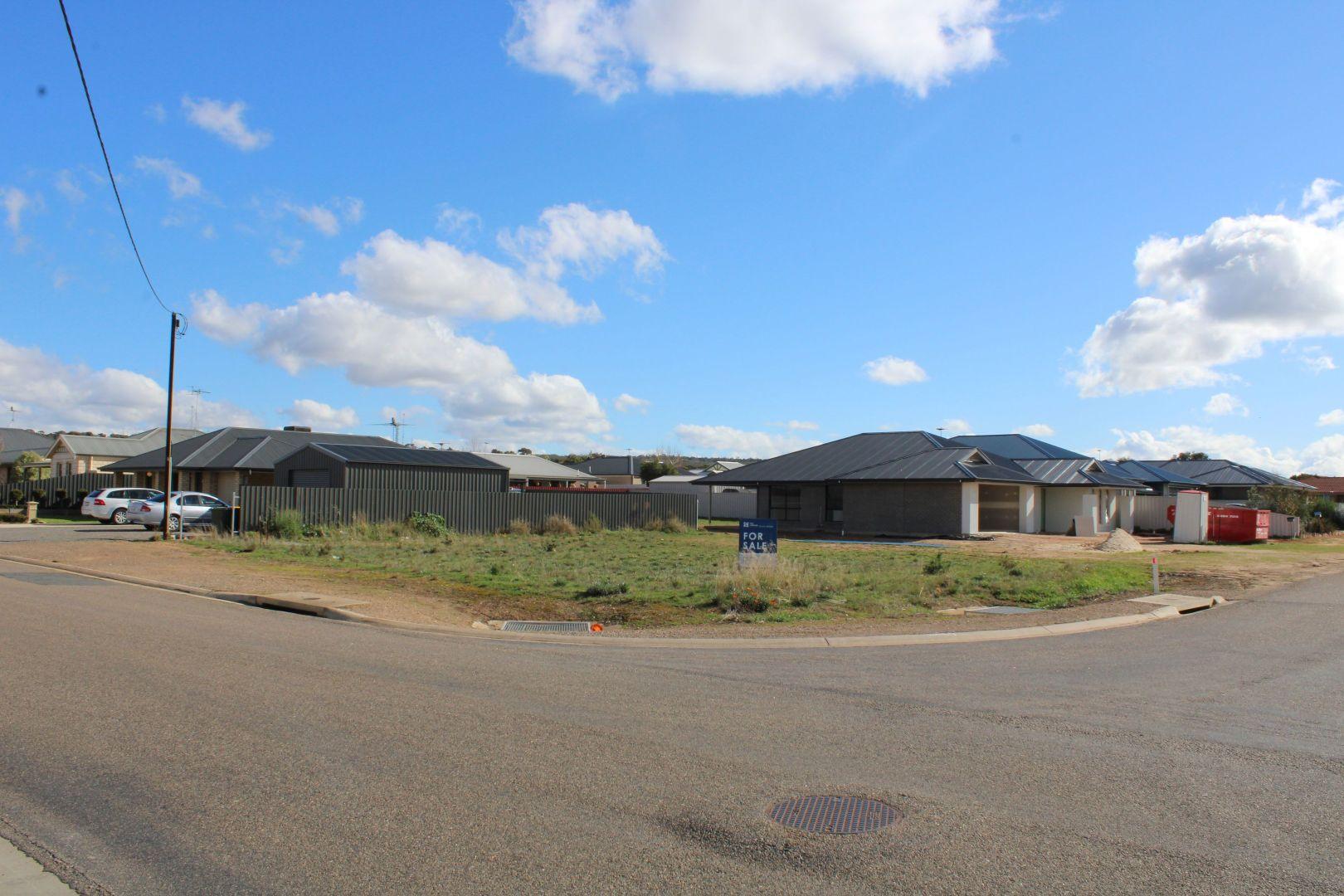 27 Christian Road, Murray Bridge SA 5253