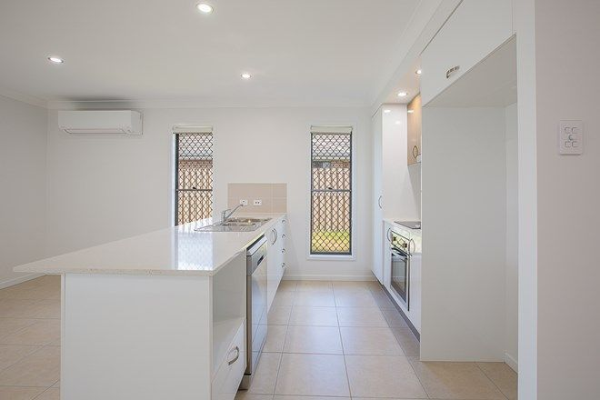Picture of 2/8 Wicker Road, PARK RIDGE QLD 4125