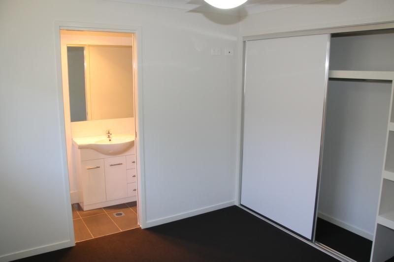 3/278 West  Street, Kearneys Spring QLD 4350, Image 2