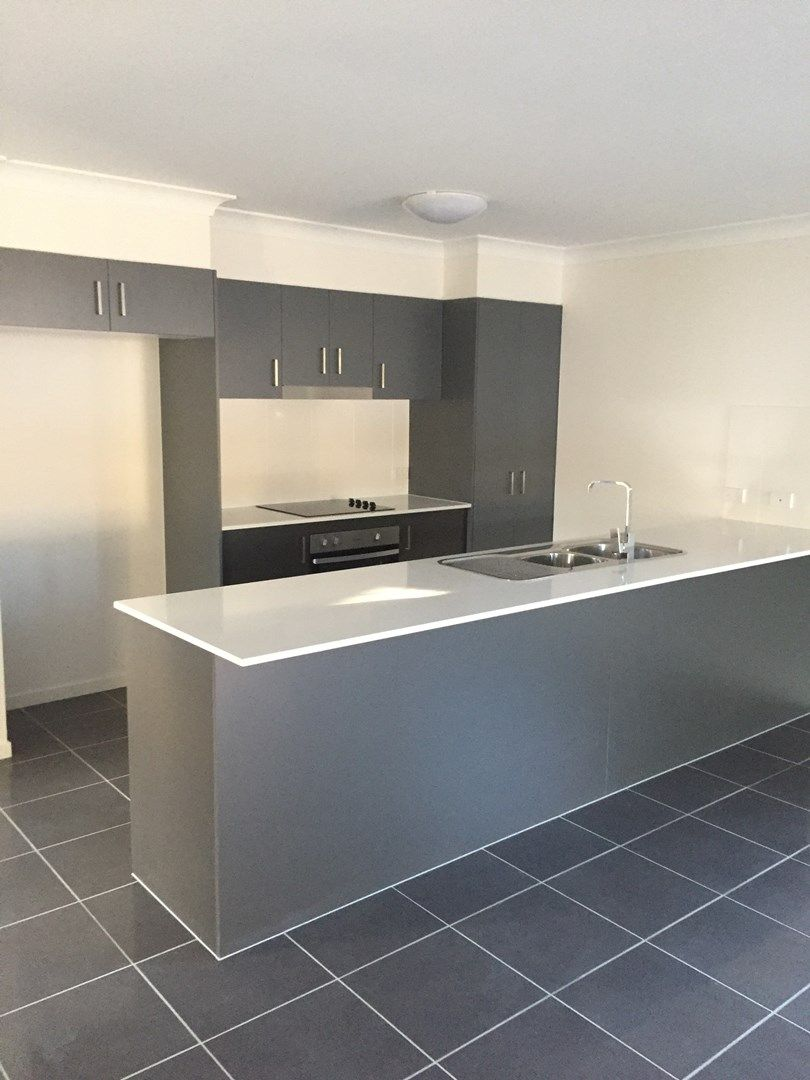 63 Hanover Drive, Pimpama QLD 4209, Image 2