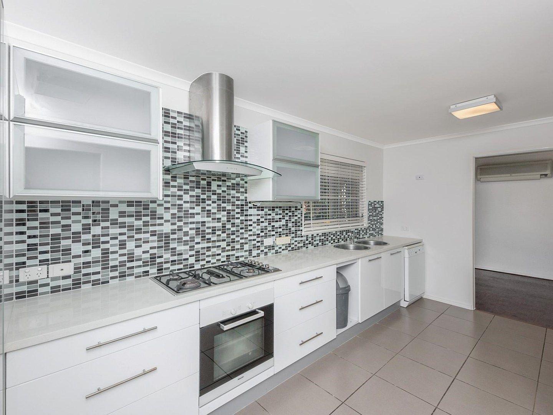 18 Benaud Street, Macgregor QLD 4109, Image 0