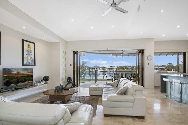 Picture of 161 Marina Boulevard, BANKSIA BEACH QLD 4507