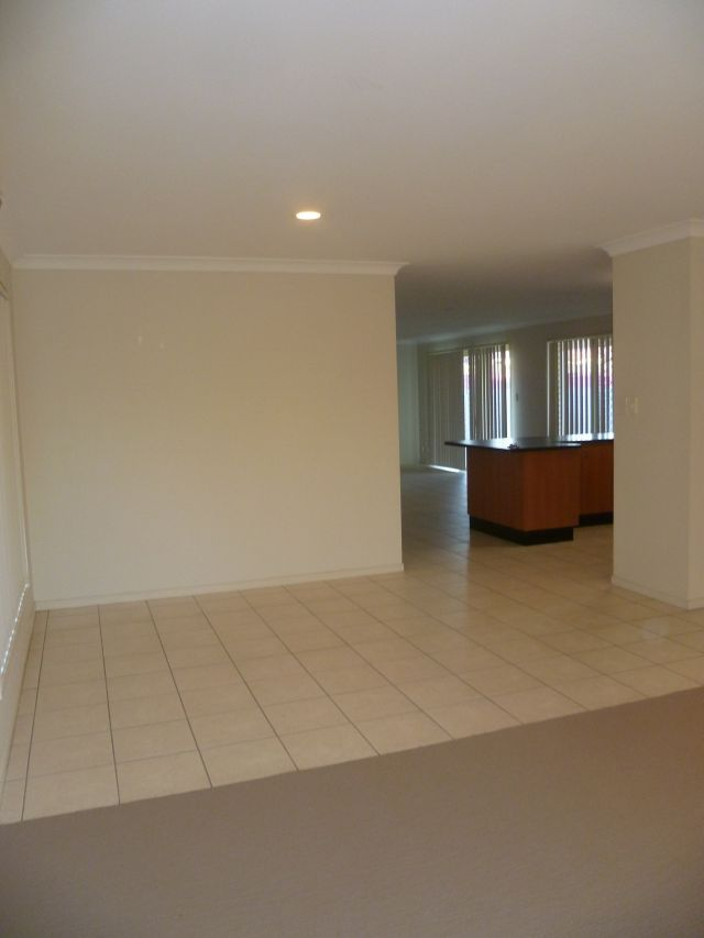 6 Whitfield Crescent, North Lakes QLD 4509, Image 1