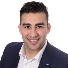 Iman Makari, Sales Consultant