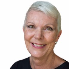 Leanne Pugh, Sales representative