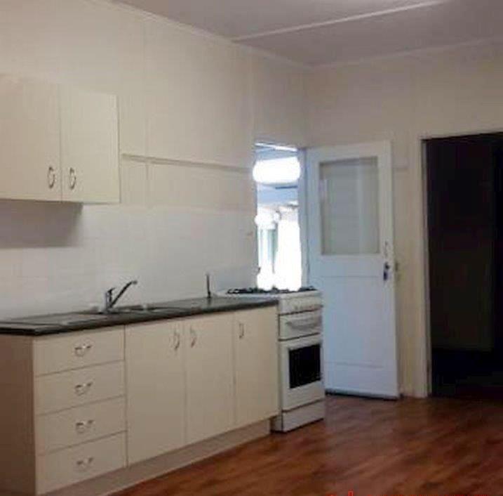 2 Blaxland Road, Dalby QLD 4405, Image 1