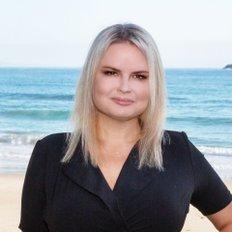 April Nicolson, Sales Associate