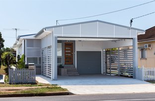 72 King St, Woody Point QLD 4019