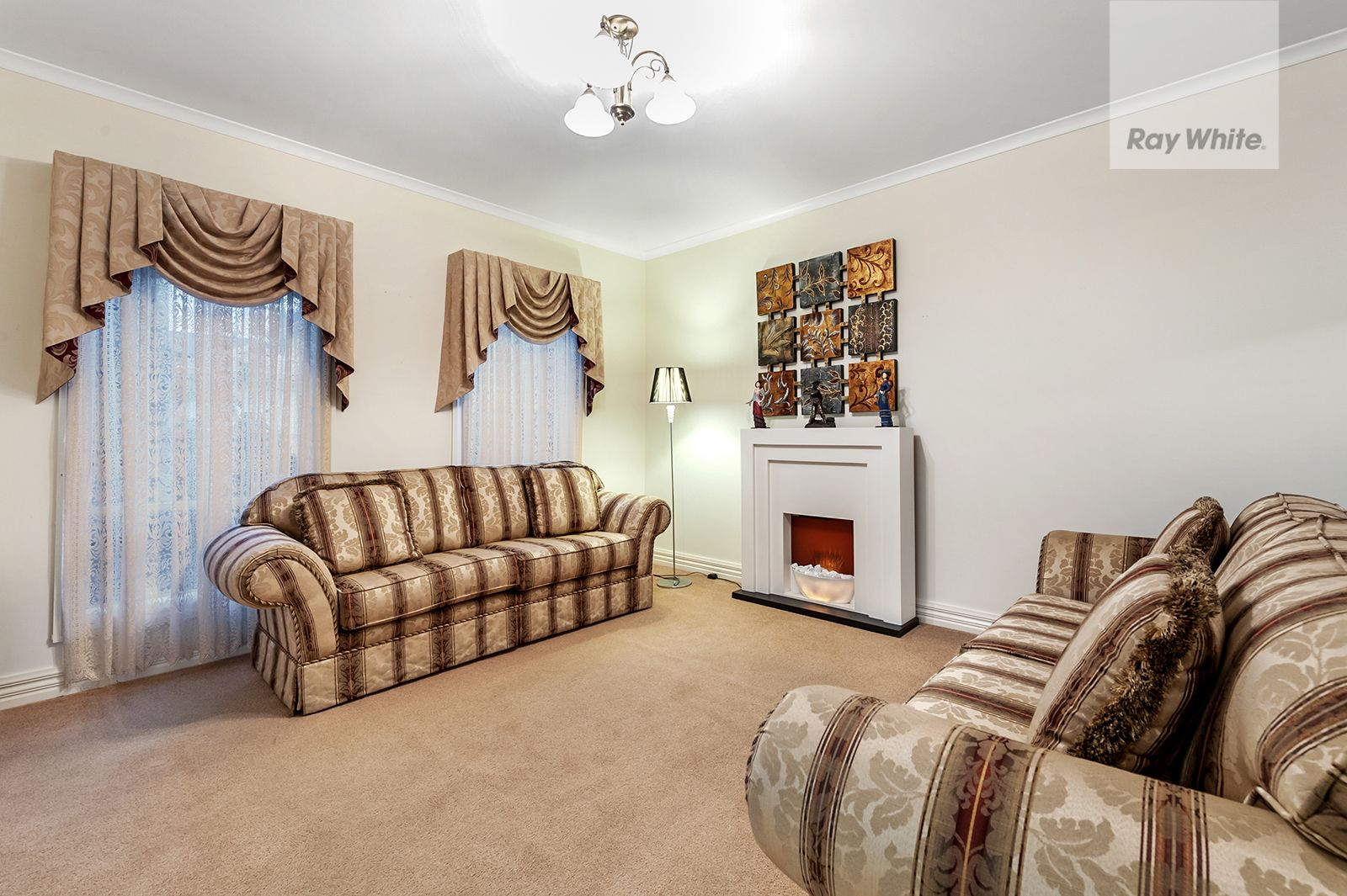 7 Crestmont Terrace, Craigieburn VIC 3064, Image 2