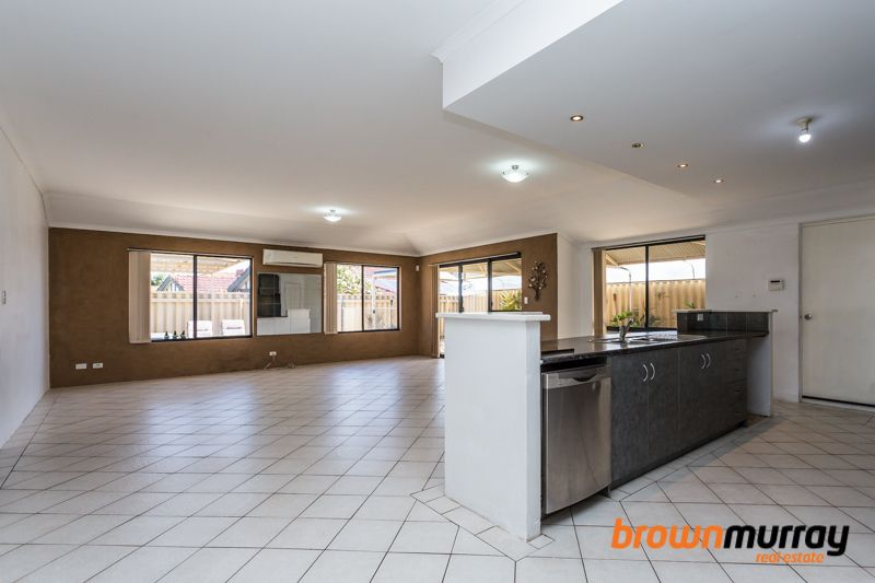 7 Coulthard Crescent, Canning Vale WA 6155, Image 2