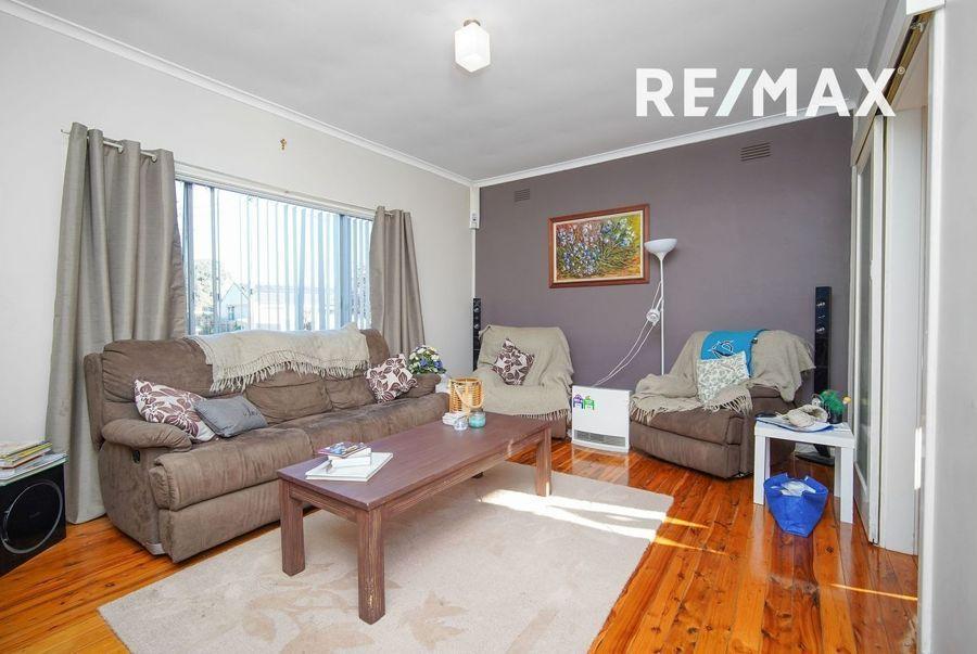 53 Tichbourne Crescent, Kooringal NSW 2650, Image 1