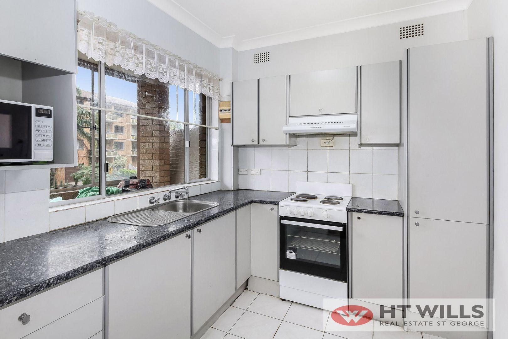 1/10 Woids Avenue, Hurstville NSW 2220, Image 2
