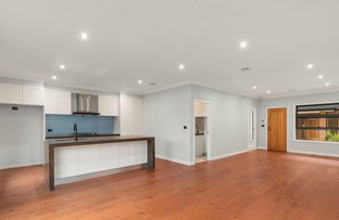 Picture of 3/4-6 Saxon Street, Doncaster VIC 3108
