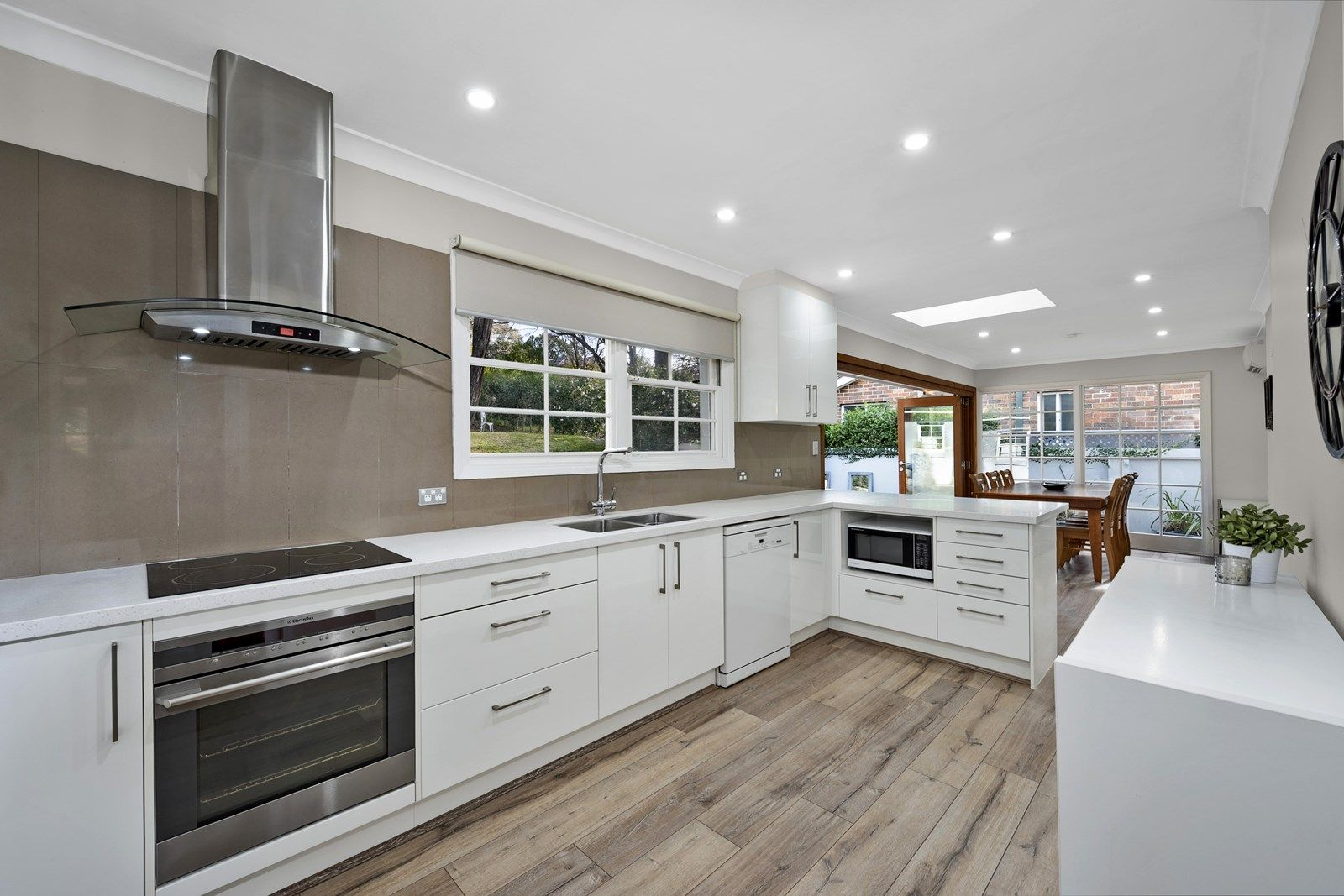 33 Exeter Road, Wahroonga NSW 2076, Image 2