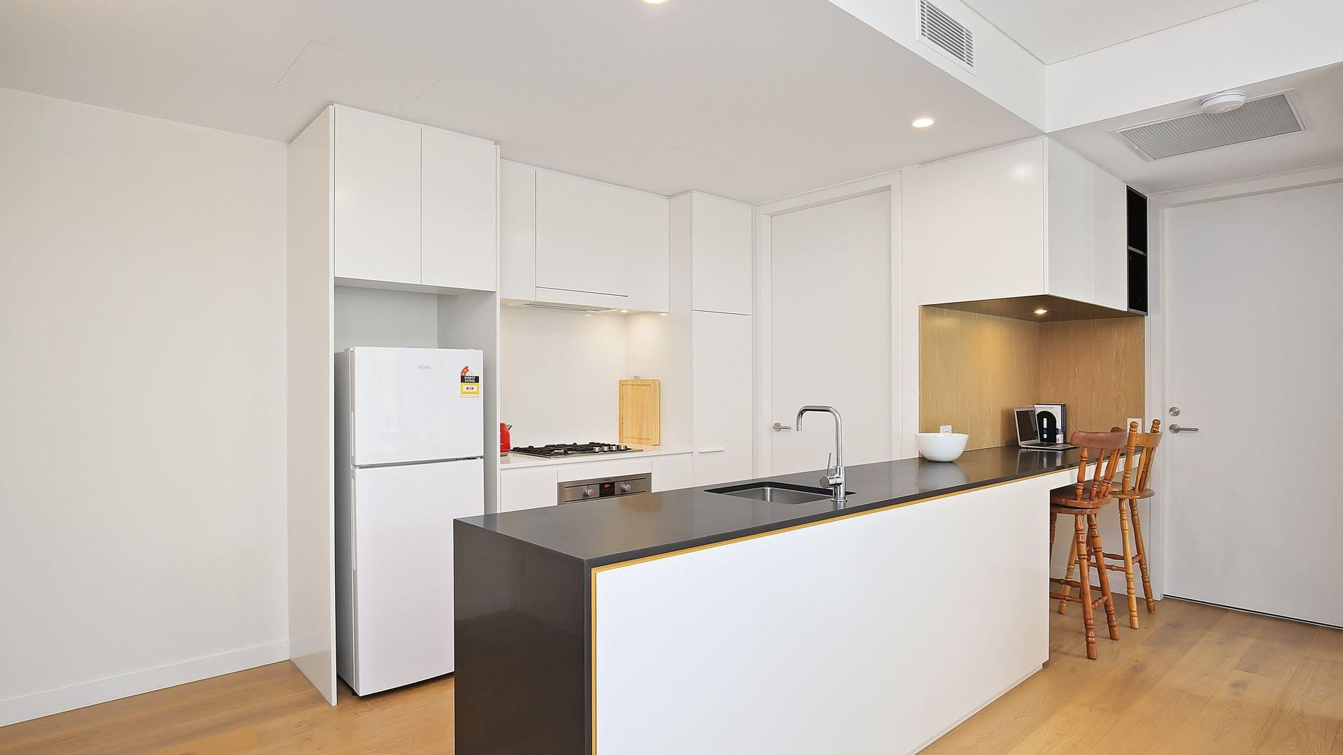 801/8 Northcote Street, Naremburn NSW 2065, Image 2