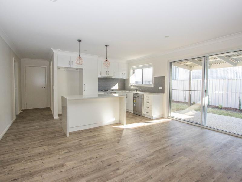 34 Charles Street, Narrandera NSW 2700, Image 2