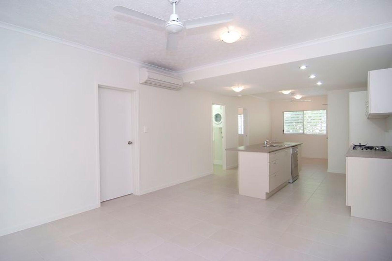 1/111 Martyn Street, Parramatta Park QLD 4870, Image 2