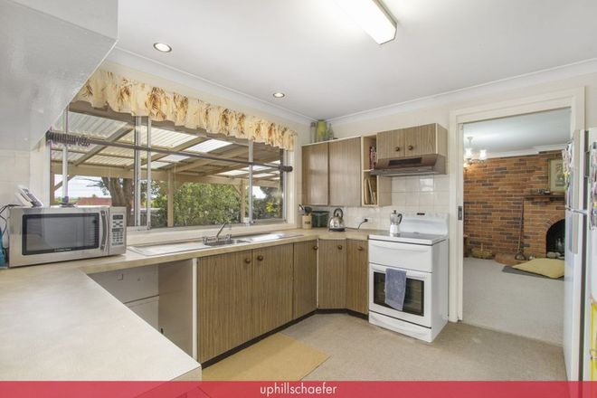 Picture of 9 St Johns Avenue, ARMIDALE NSW 2350