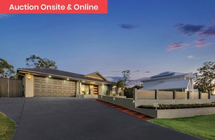 Picture of 62 Woodlark Crescent, Parkinson QLD 4115