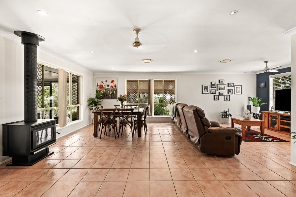 1 Kimdon Crescent, Highfields QLD 4352, Image 2