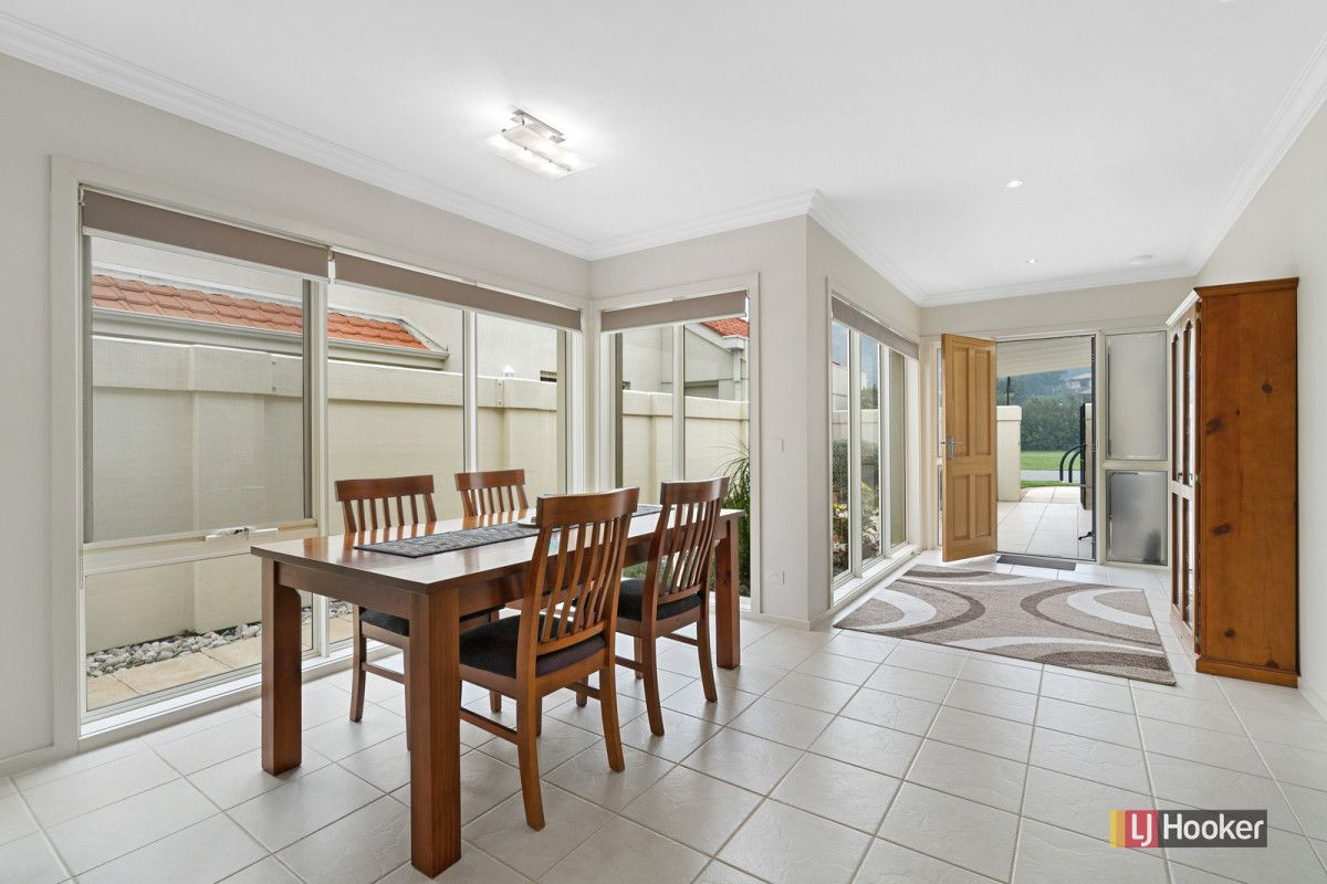 2/122 Golf Links Road, Lakes Entrance VIC 3909, Image 2