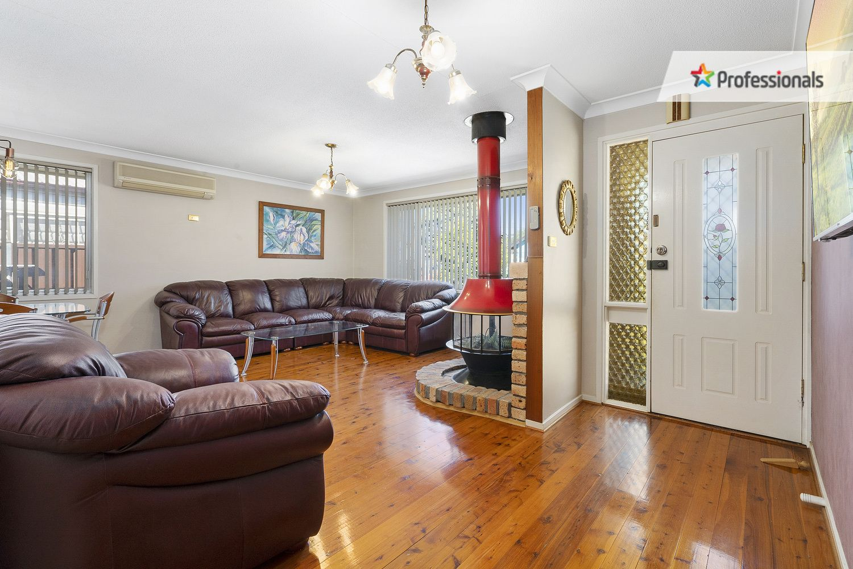 20 Jacaranda Crescent, Casula NSW 2170, Image 2