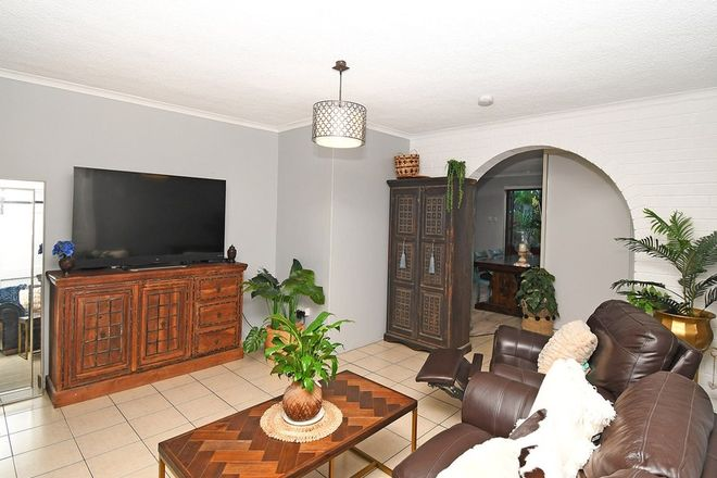 Picture of 2/372 Esplanade, SCARNESS QLD 4655