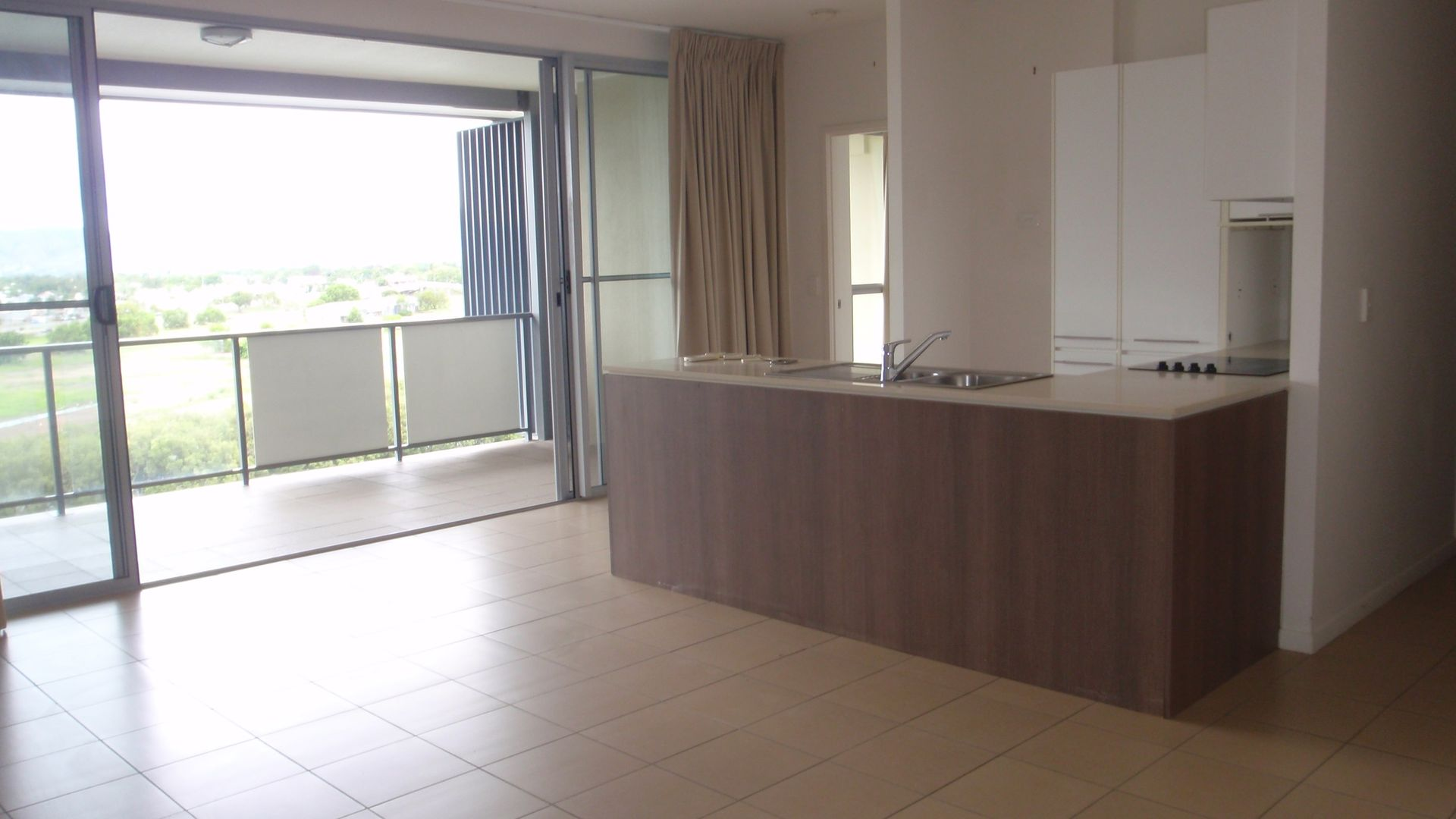 11/8-32 Stanley St, Townsville City QLD 4810, Image 2