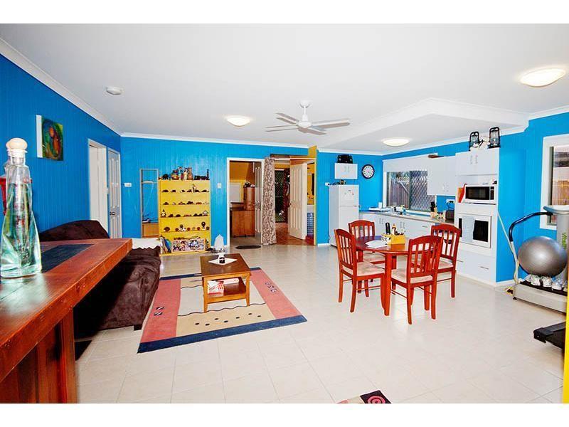 16 Kiama Avenue, Bangalee QLD 4703, Image 2