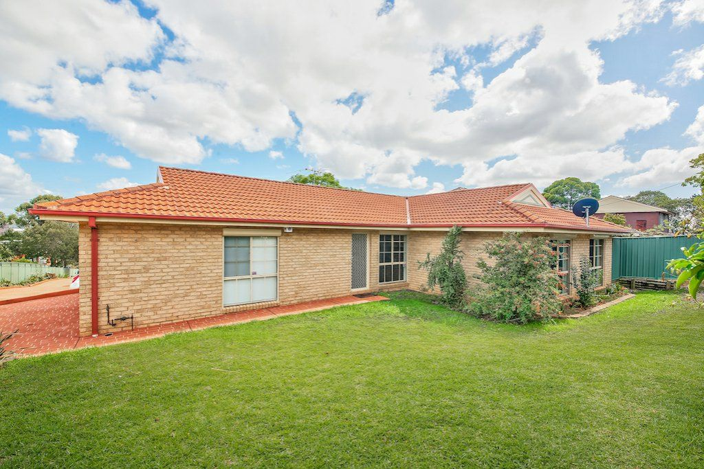 1/123 Lindesay Street, Campbelltown NSW 2560, Image 0