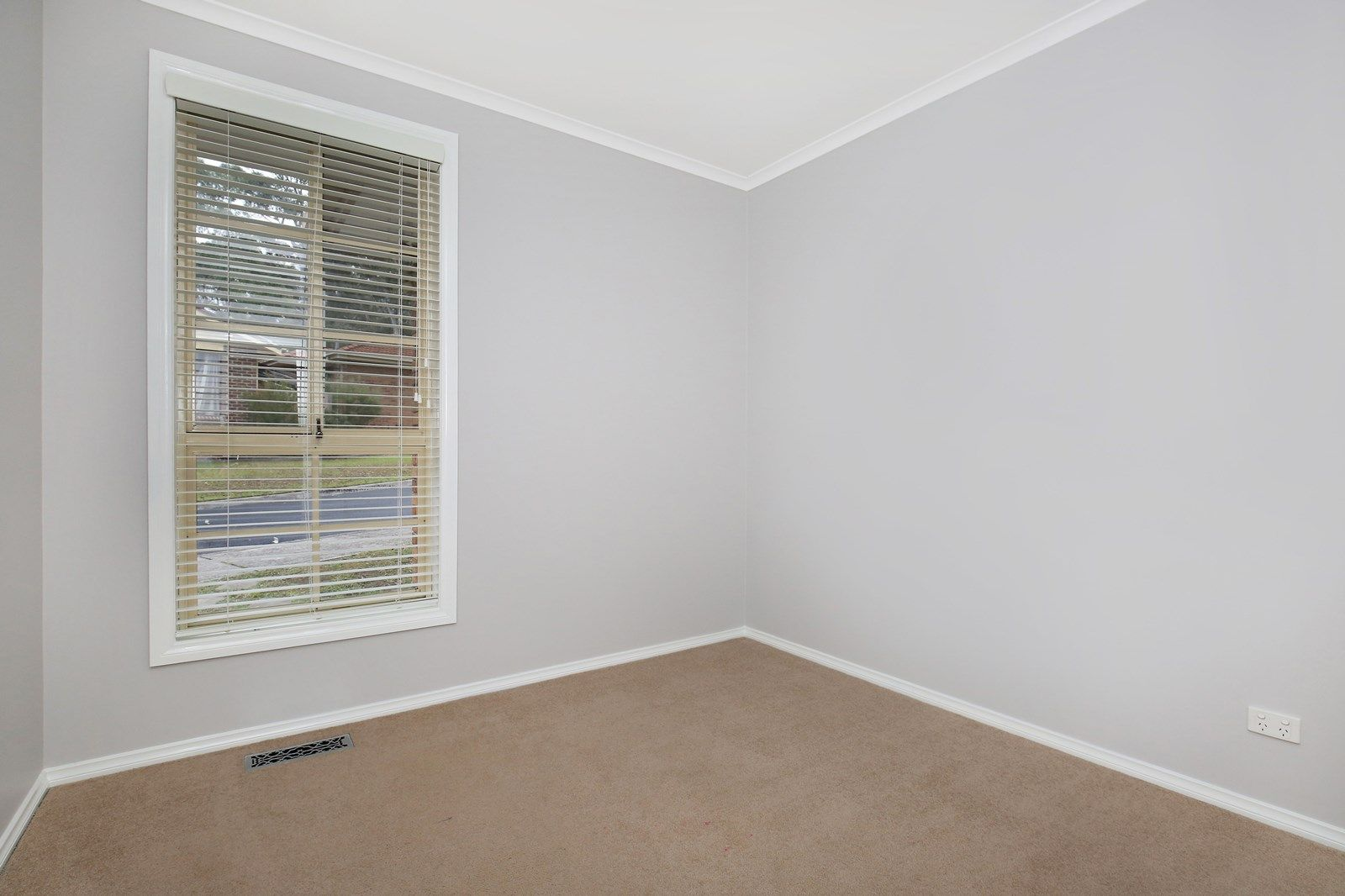 16/55-57 Broadford  Crescent, Macleod VIC 3085, Image 2