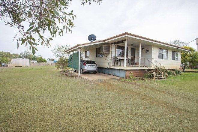Picture of 67 Alexander St, SURAT QLD 4417