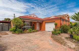 Picture of 17 McIntyre Avenue, Roxburgh Park VIC 3064