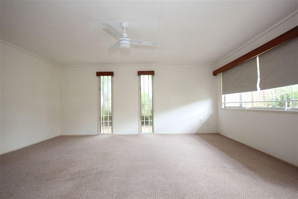 12 Westland St, Macgregor QLD 4109, Image 2