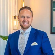 Shane Broekman, Sales representative