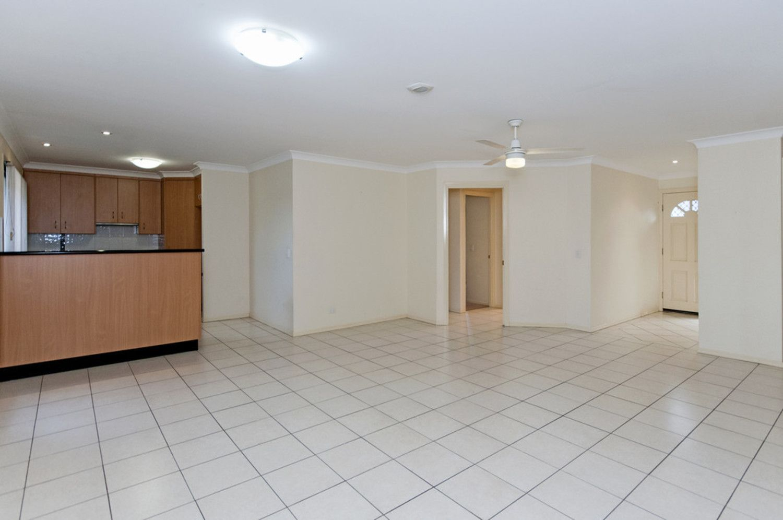 1/291 James Street, Newtown QLD 4350, Image 2
