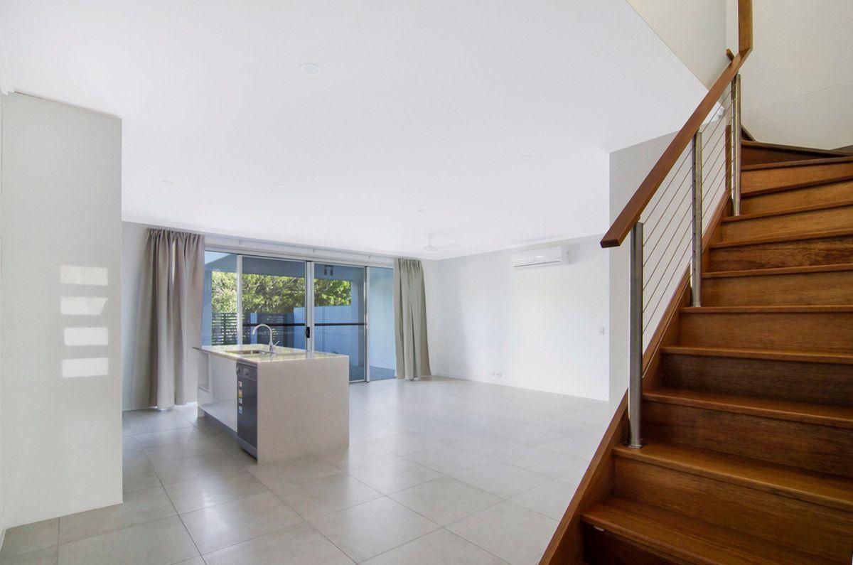 10 Florabella Drive, Robina QLD 4226, Image 1