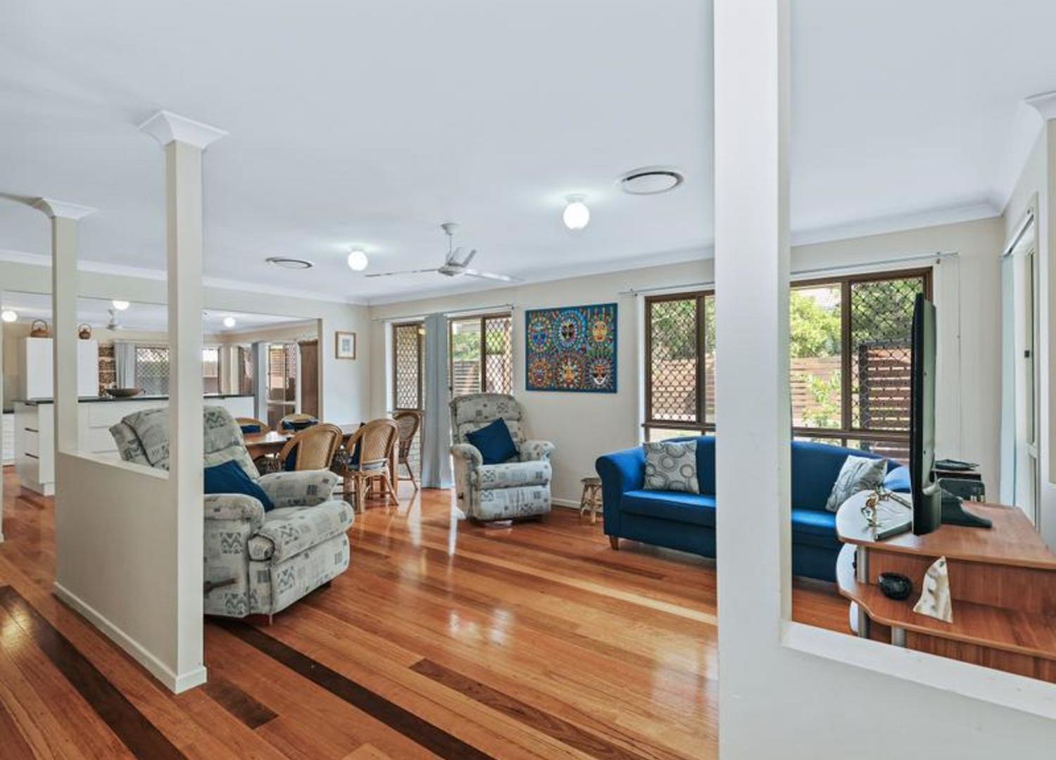 14 Parkway Place, Kenmore QLD 4069, Image 2