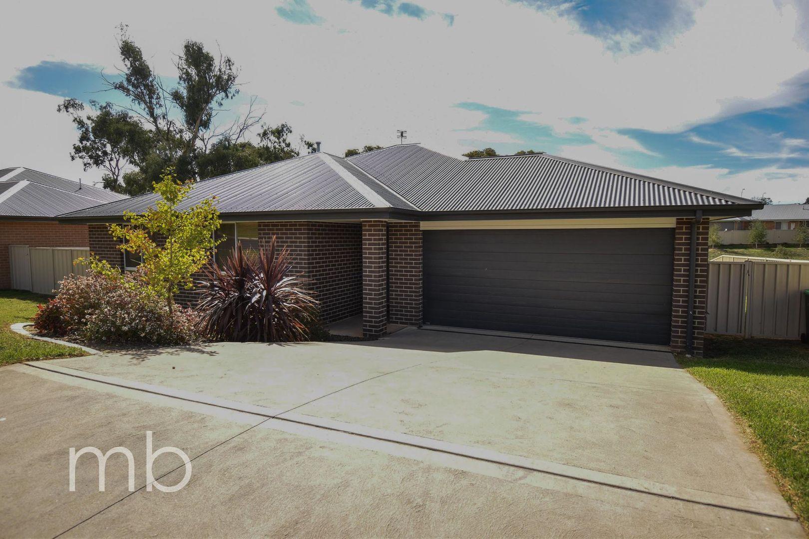 8 Downey Crescent, Orange NSW 2800, Image 0