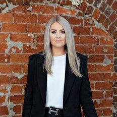 Elle Crisp, Sales Assistant to Jane Donald