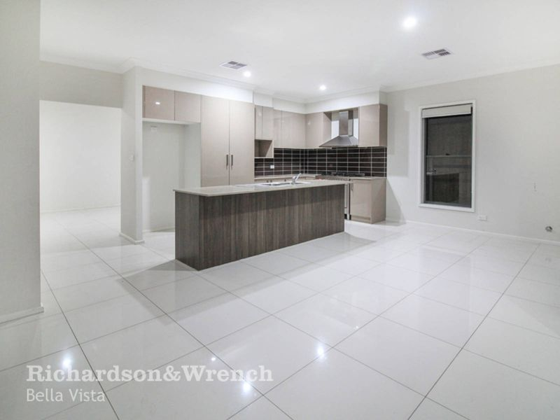 38 Tomah Crescent, The Ponds NSW 2769, Image 2