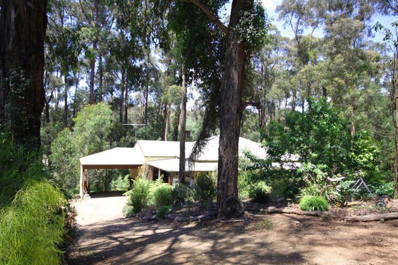26 Glen Road, Cockatoo VIC 3781