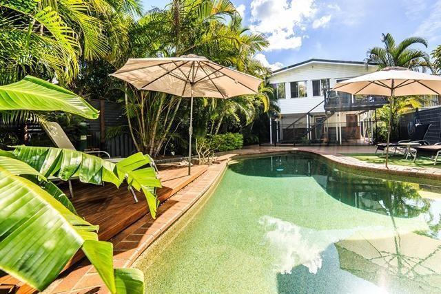 28 Glenelg Avenue, Mermaid Beach QLD 4218, Image 1