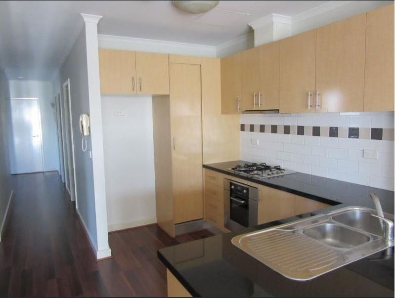 1/111 Beaconsfield Parade, Northcote VIC 3070, Image 2