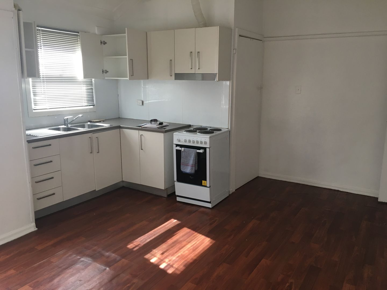 14 Nile Street, Fairfield Heights NSW 2165, Image 2