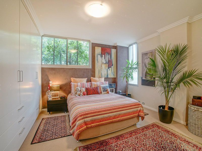 17/1 Bay View Street, Mcmahons Point NSW 2060, Image 2