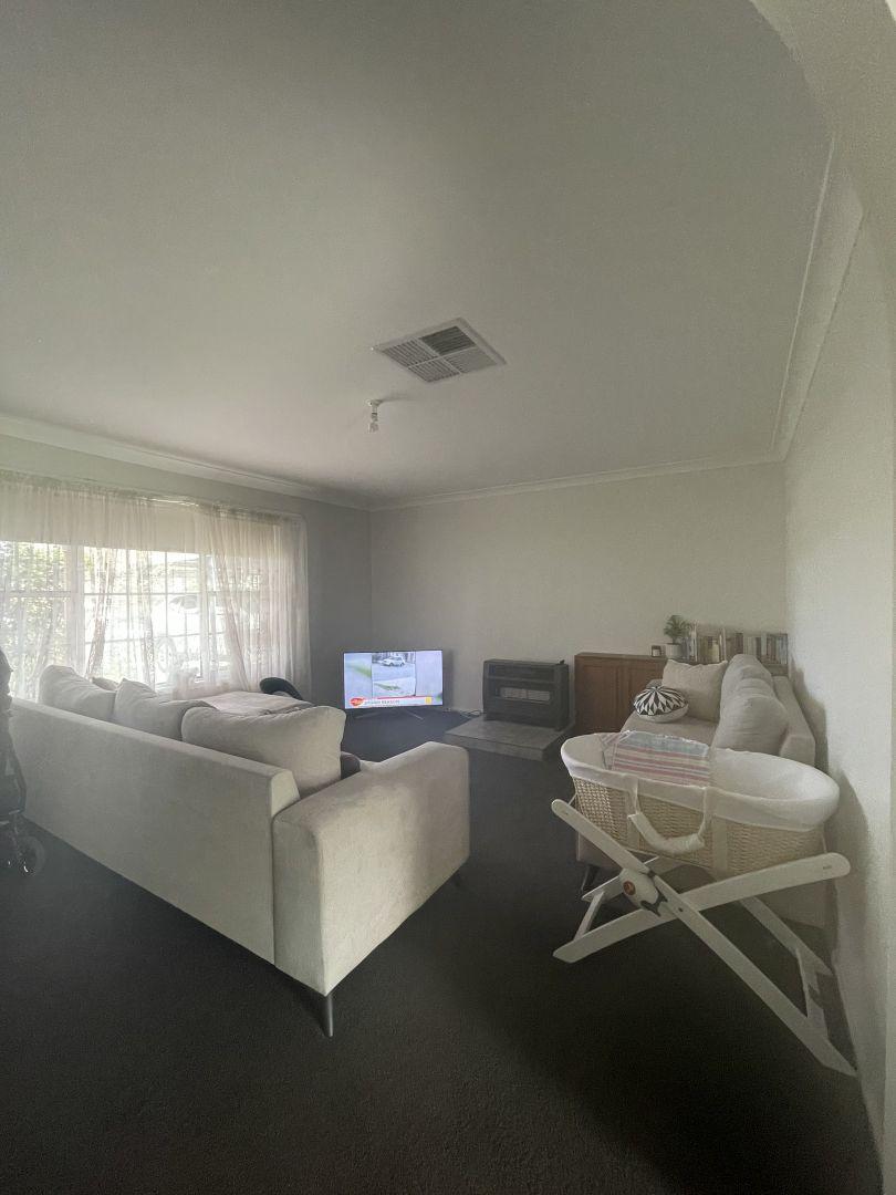 141 Hanley Street, Gundagai NSW 2722, Image 2