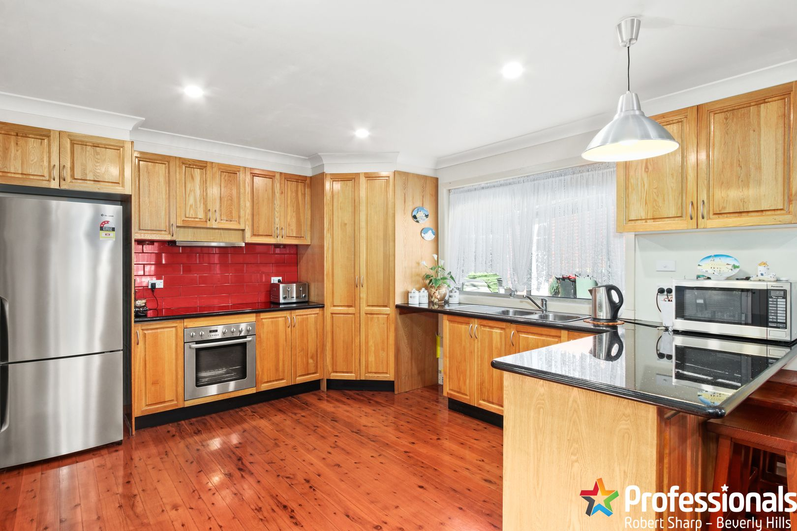 8 Pineview Avenue, Roselands NSW 2196, Image 1